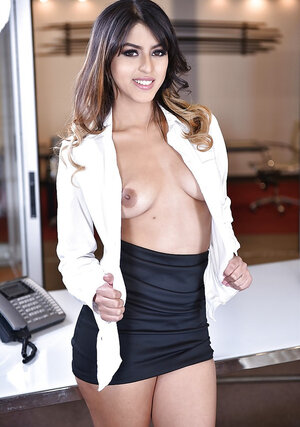 Smoking hot Latina secretary stays after work to pose undressed for a colleague
